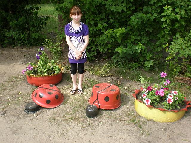 Поделки на садовом участке фото