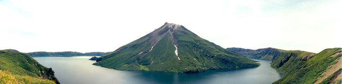 1350px-Onekotan-Kurile-Islands (700x172, 17Kb)