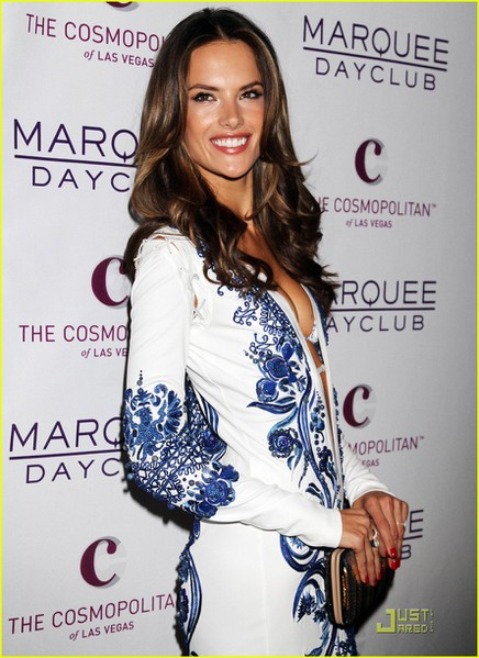alessandra-ambrosio-marquee-opening-with-selma-blair-01 (436x600, 80Kb)