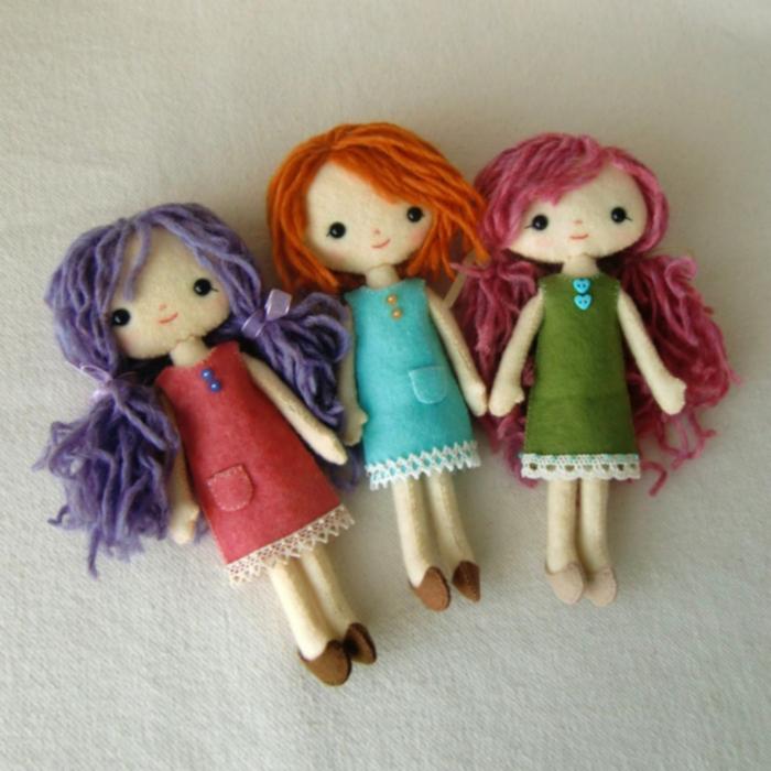 Кукла из фетра волосы