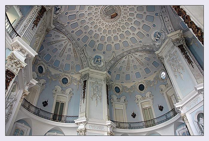 Дворец Борромео ( итал. Isola Bella - красивый остров ) 56564