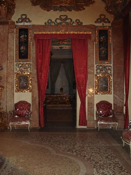 Дворец Борромео ( итал. Isola Bella - красивый остров ) 14355