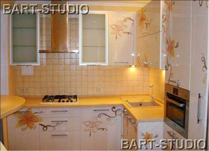 маленькой кухни фото готовых кухонь.