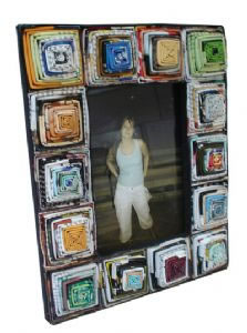 3102482_recycled-magazine-5x7-panelled-photo-framekbn (223x300, 18Kb)