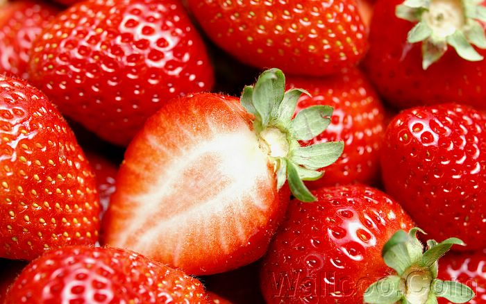 Strawberry_photos_Fresh_Strawberry_Picture_F045055 (700x438, 77Kb)