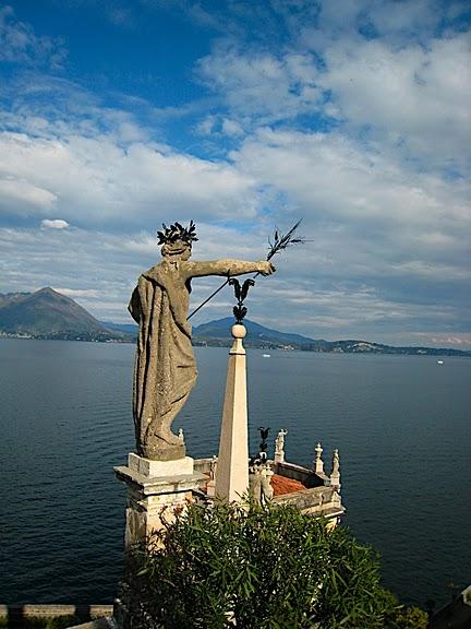 Дворец Борромео ( итал. Isola Bella - красивый остров ) 88784