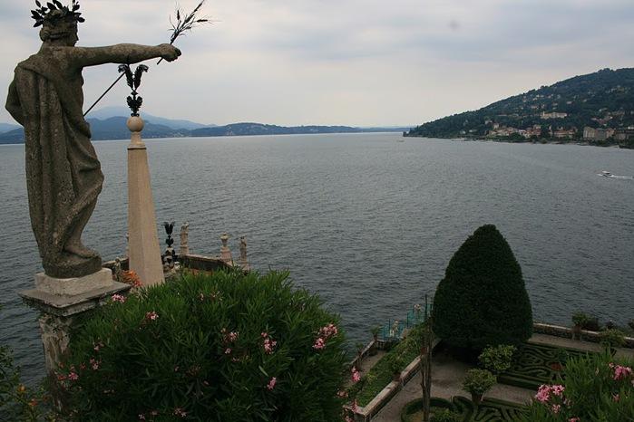 Дворец Борромео ( итал. Isola Bella - красивый остров ) 40627
