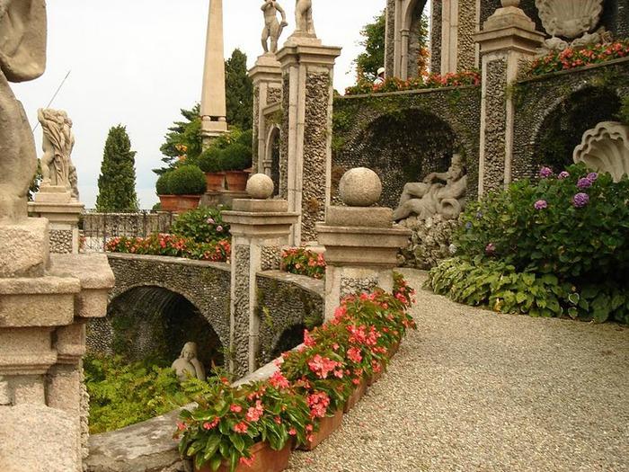 Дворец Борромео ( итал. Isola Bella - красивый остров ) 93621