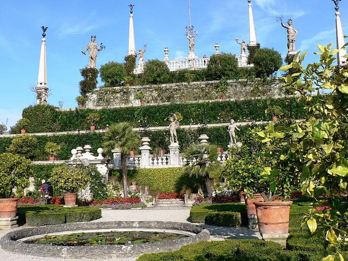 Дворец Борромео ( итал. Isola Bella - красивый остров ) 40713