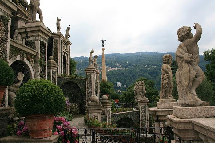 Дворец Борромео ( итал. Isola Bella - красивый остров ) 39819