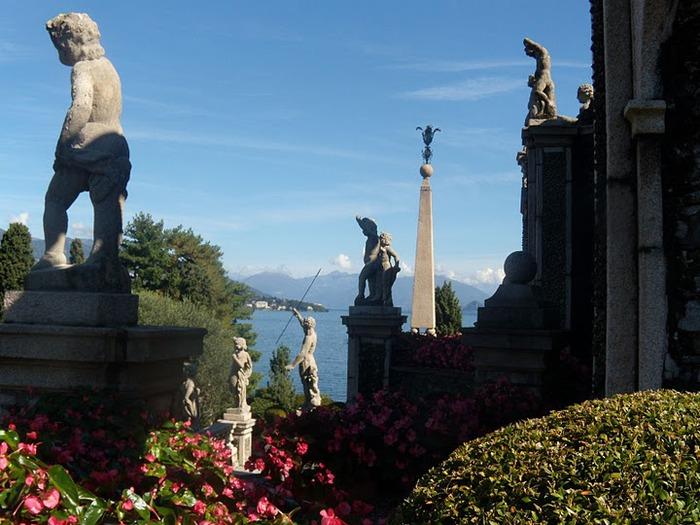 Дворец Борромео ( итал. Isola Bella - красивый остров ) 88214