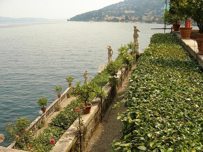 Дворец Борромео ( итал. Isola Bella - красивый остров ) 44596