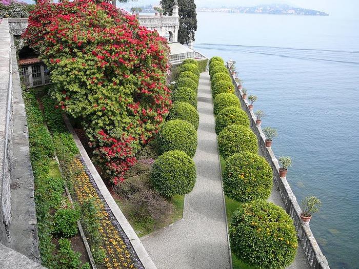 Дворец Борромео ( итал. Isola Bella - красивый остров ) 61339