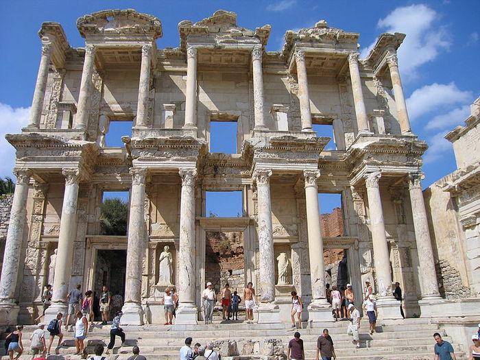 3925073_800px-Celsus-Bibliothek2 (700x525, 113Kb)
