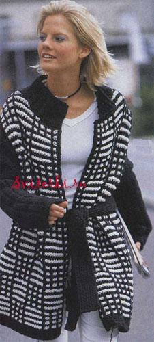 Уровень сложности схемы вязаного женского жакета: следующий шаг в вязании.