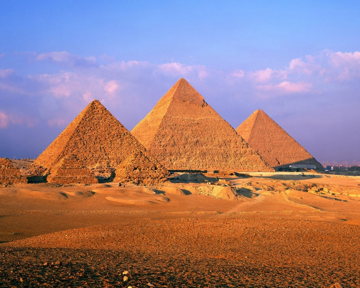 4171694_Pyramids_of_Giza (700x560, 338Kb)