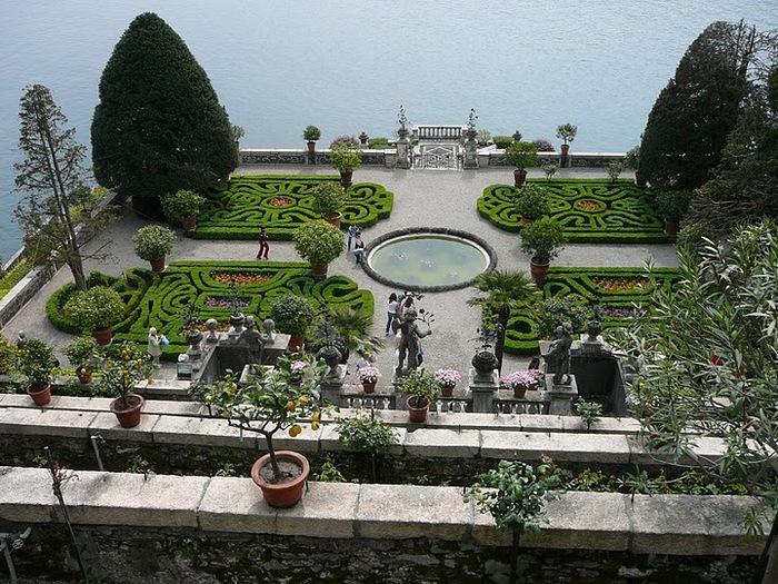 Дворец Борромео ( итал. Isola Bella - красивый остров ) 22797