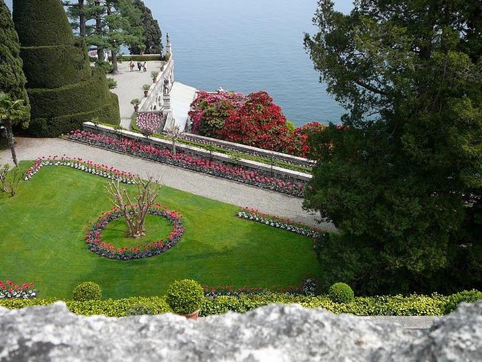 Дворец Борромео ( итал. Isola Bella - красивый остров ) 75111