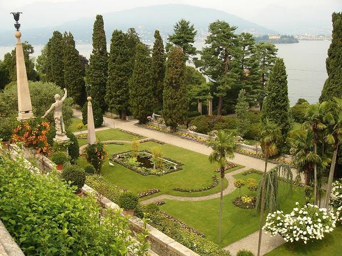 Дворец Борромео ( итал. Isola Bella - красивый остров ) 99933