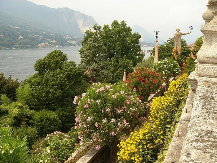 Дворец Борромео ( итал. Isola Bella - красивый остров ) 84705