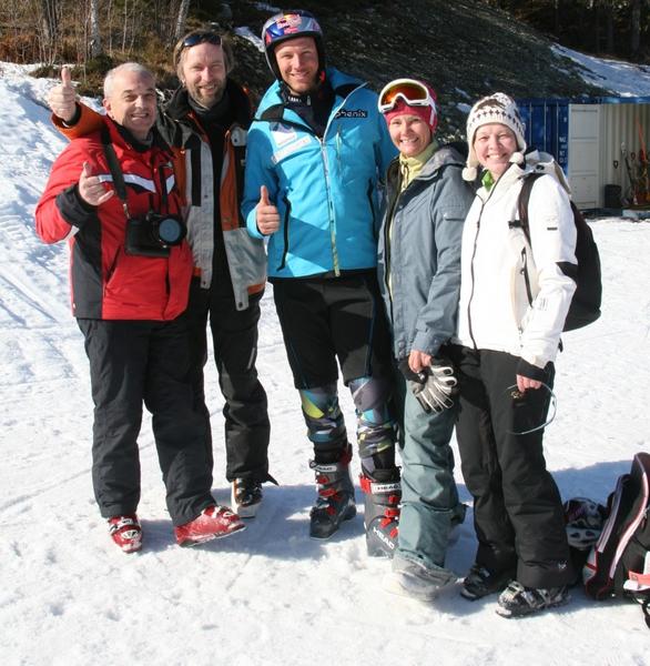 3578968_Aksel_og_russiske_skijournalister_Hemsedal (586x600, 304Kb)