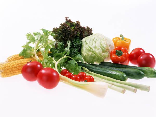 ...лучше вообще ничего не кушать, да вот незадача - и... Как правильно выбирать первые весенние овощи.
