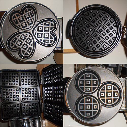 4278666_4567676489_35e95c60cf_One_waffle_maker_will_not_do__M (500x498, 249Kb)