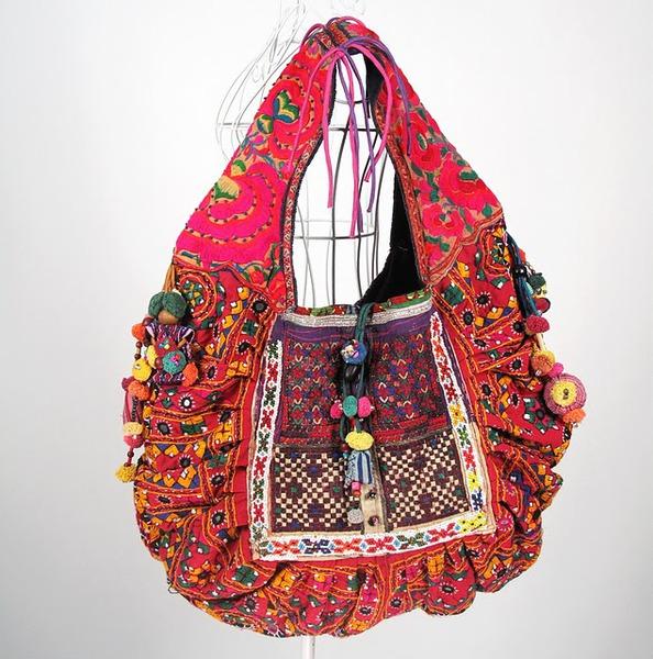 Beautiful Vivid Hippie Boho Vintage Fabric Bag 3 (594x600, 127Kb)
