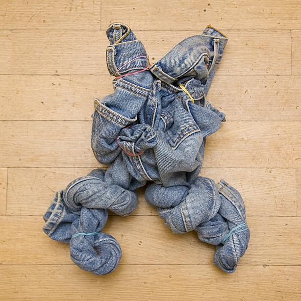 Мои первые джинсы были фирмы AVIS (производства Индия) настоящий