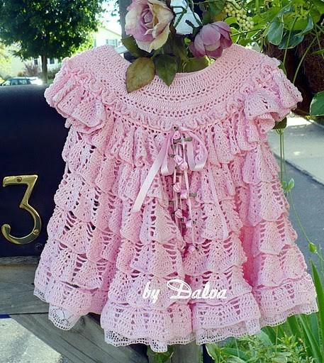 платье много ниток (457x512, 117Kb)