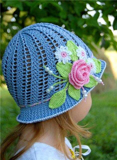 летние шапочки и панамки