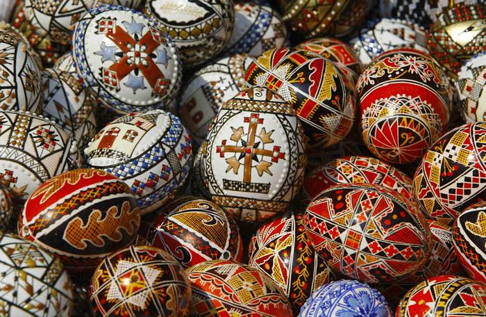 Пасхальные яйца/2822077_easter_eggs (700x456, 210Kb)
