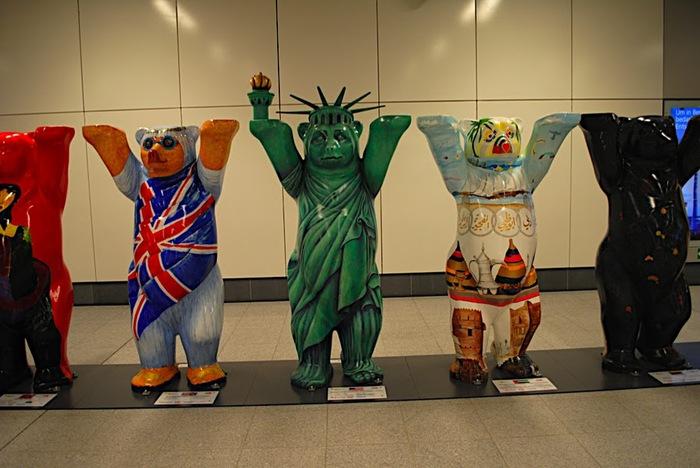 Выставка медведей в Берлине-2010 32591