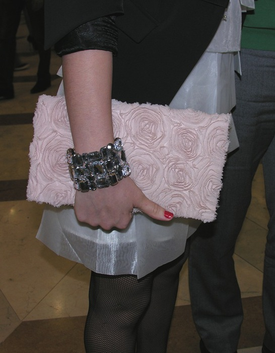 pink rose clutch (546x700, 90Kb)