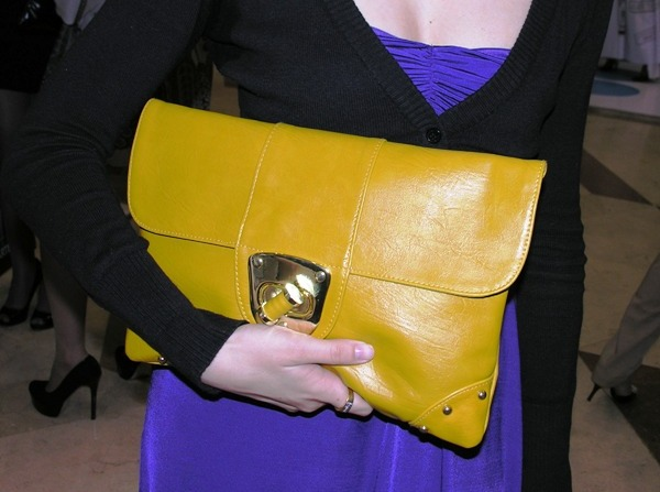 yellow maxi clutch (600x447, 65Kb)