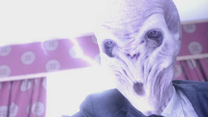 1762081_Doctor_Who_6x01__The_Impossible_Astronaut_Part_1_720p_Easter_2010174112 (700x393, 50Kb)