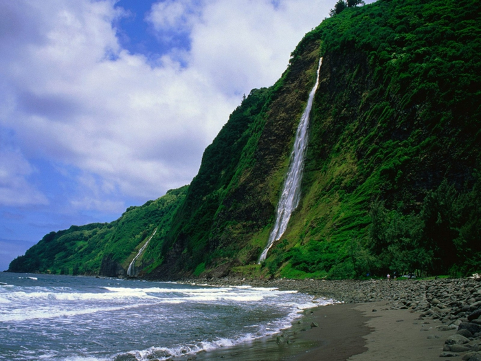 73390306_3935767_Kaluahine_Waterfall_Waipio_Valley_Hamakua_Coast_Hawaii (700x525, 310Kb)