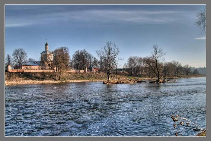 Воскресенская церковь в Васильевмком/3673959_13 (700x468, 61Kb)