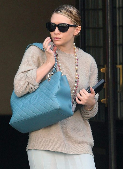 58683_Tikipeter_Ashley_Olsen_out_and_about_in_NYC_002_123_69lo (508x700, 56Kb)
