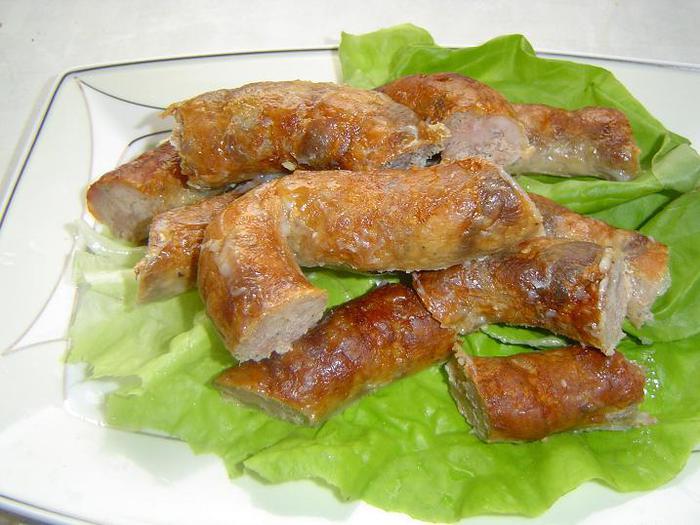 Для изготовления колбас необходимо брать безукоризненно свежее мясо, лучше всего охлажденное, то есть после убоя...