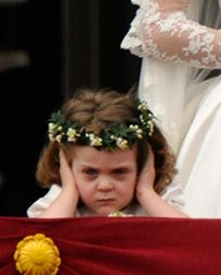 1 свадьба принца девочка заткнула уши (203x252, 10Kb)