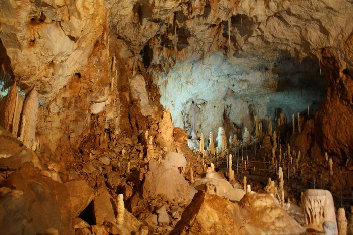 Медведь Пещера в селе Chiscau - Румыния - Bears' Cave, Chiscau, Romania, 13938