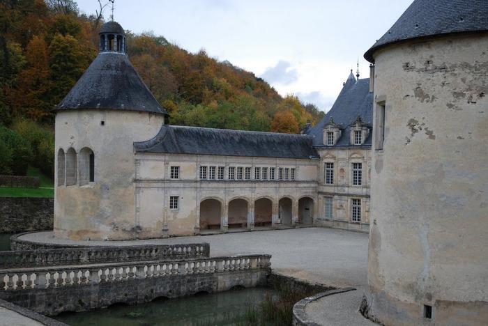 Замок Бюсси-Рабютен - Шато де Бюсси-ле-Гран 81484