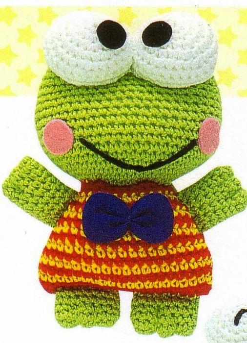 Забавный вязаный лягушонок.  Он может быть грустным или веселым, удивленным или испуганным - выражение лица молжет...