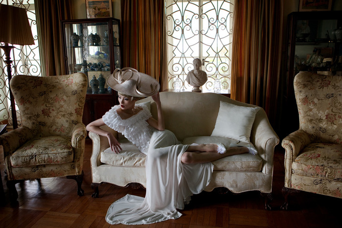 Hatwoman-Spring-Summer-2011-by-Baldovino-Barani-DesignSceneNet-01 (700x466, 134Kb)