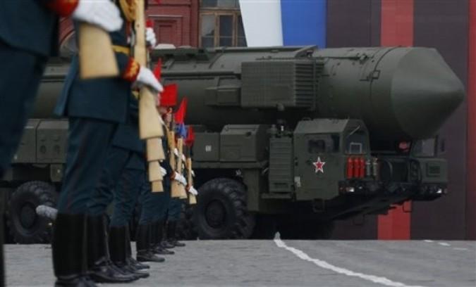 66-ая годовщина Победы над фашистской Германией, Москва, 9 мая 2011 года. /2270477_86_1_ (675x408, 55Kb)