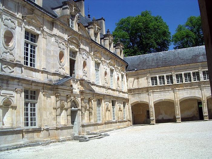 Замок Бюсси-Рабютен - Шато де Бюсси-ле-Гран 12623