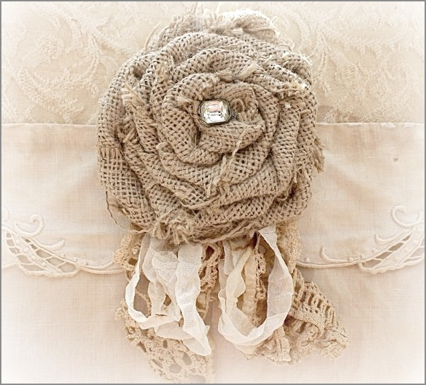 burlap rose with lace (604x546, 117Kb)