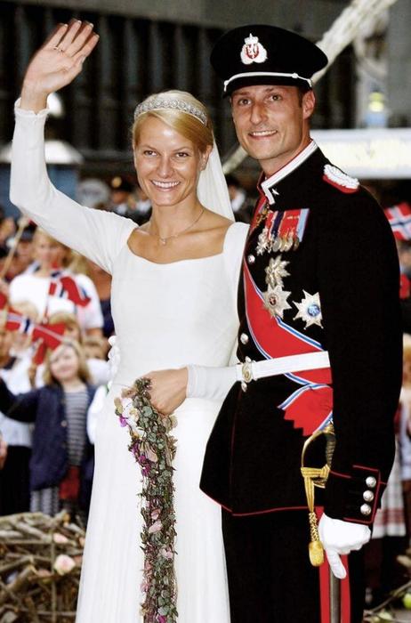 http://img1.liveinternet.ru/images/attach/c/2/74/256/74256233_3518263_Weddings_16.jpg