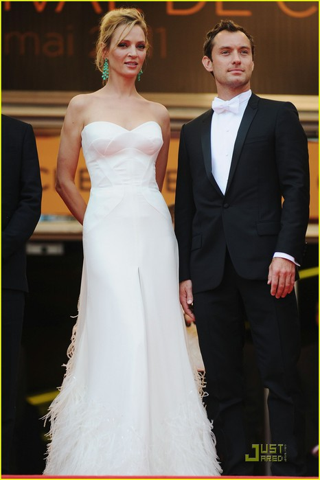 jude-law-cannes-opening-ceremony-with-uma-thurman-01 (466x700, 55Kb)
